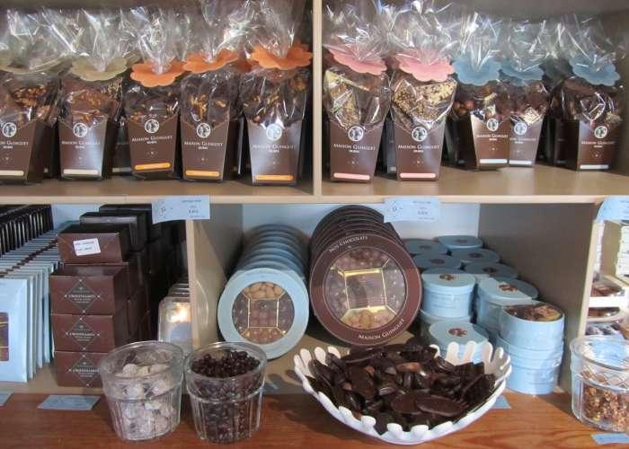 image de ANNULATION sur Mai et Juin - Visite de notre fabrique de chocolats à la maison Guinguet.